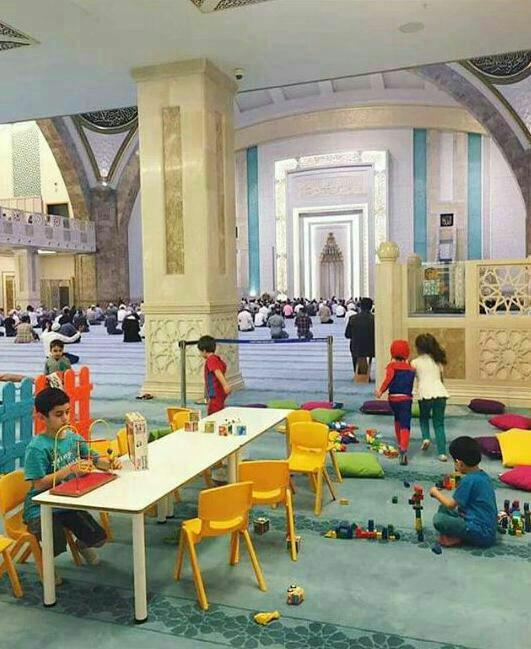 یک ابتکار زیبا برای جذب کودکان به مسجد + عکس