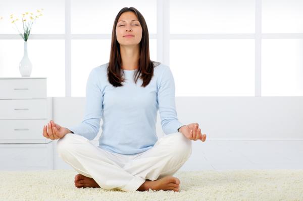۵ حرکت یوگا برای کاهش استرس
