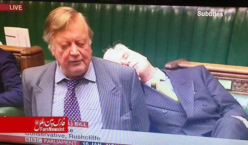 خواب عمیق یک نماینده در مجلس! + عکس