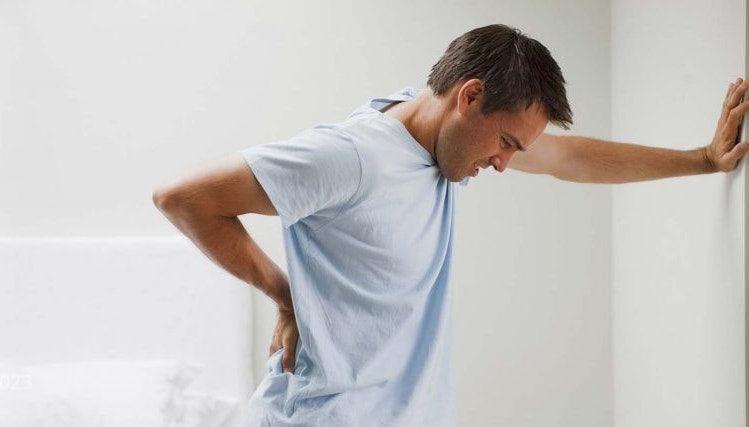 عامل بروز عارضه تنگی کانال نخاعی در میانسالی