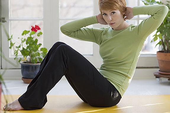 کاهش چربی های شکمی با سه حرکت ورزشی