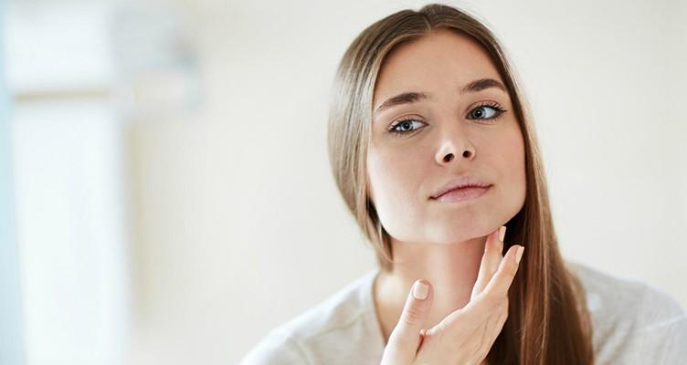 ۴ درمان خانگی برای رفع چین و چروک اطراف دهان