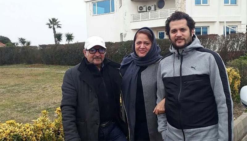 تیپ سیاوش خیرابی و خانواده اش در ویلایشان! + عکس
