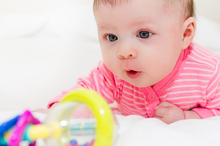 استفراغ و بالا آوردن نوزاد چه فرقی دارند؟