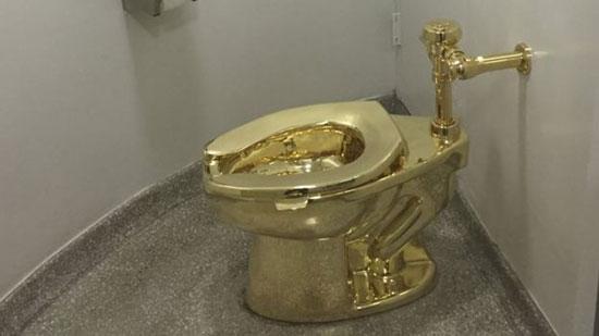 توالت طلایی برای ترامپ! + عکس
