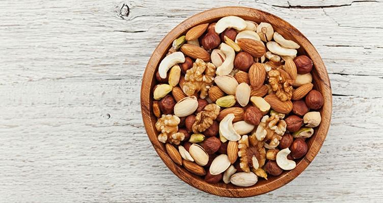 ۸ ماده غذایی مناسب برای مبتلایان به سرطان