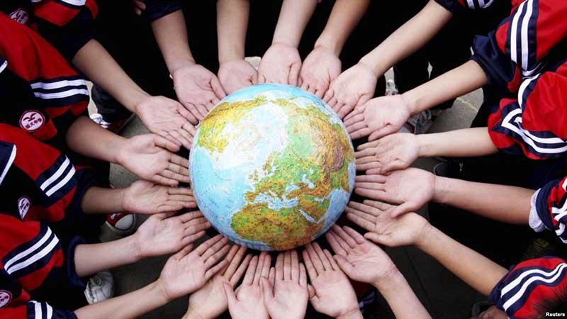 جمعیت میلیاردی کره زمین به چه کاری مشعولند؟ /اینفوگرافیک