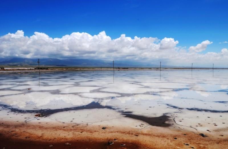 خشک شدن دریاچه نمک قم منطقه را تهدید می کند