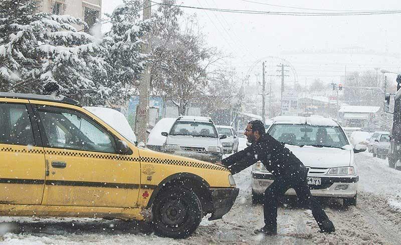 اینفوگرافیک   گام به گام برای رهایی از کولاک و برف