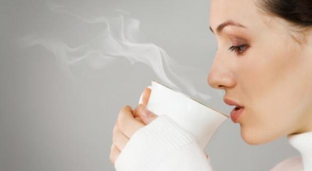 مزایای نوشیدن آب گرم