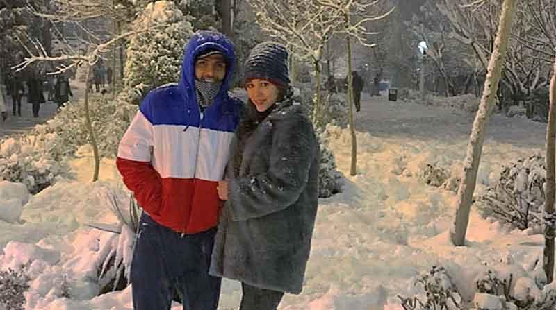 برف بازی نیکی محرابی و همسر فوتبالیستش! + عکس