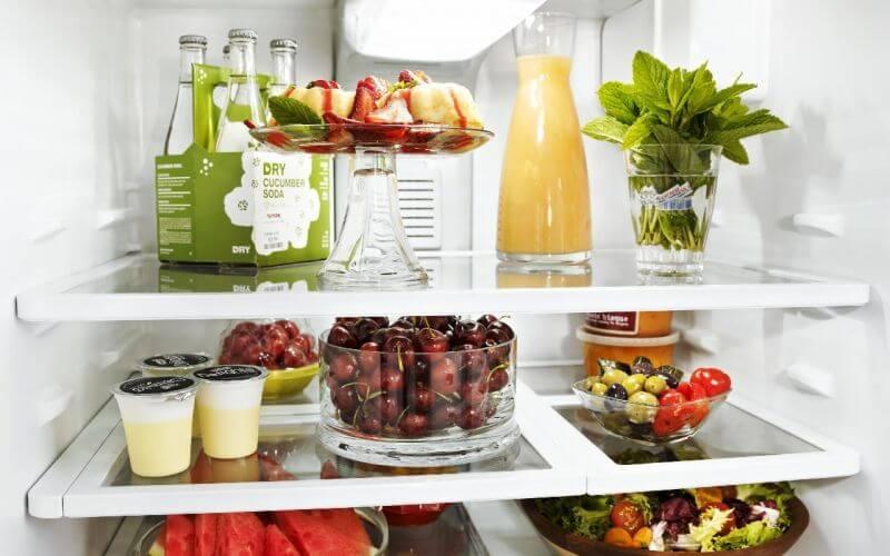 ۱۸ خوراکی که نباید در یخچال نگهداری شوند