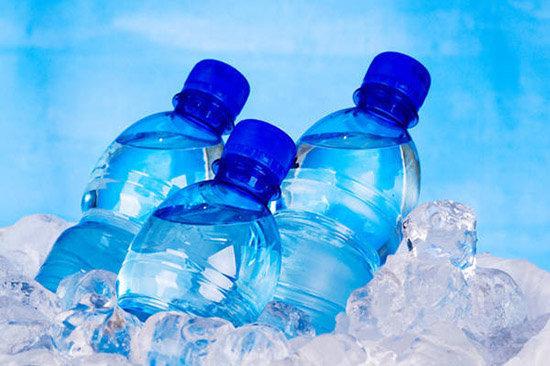 فواید و محدودیت های آب معدنی