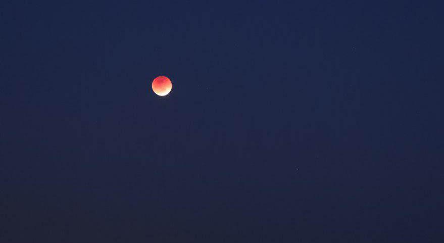 ماه گرفتگی زیبا در مرز ایران و ترکمنستان + عکس