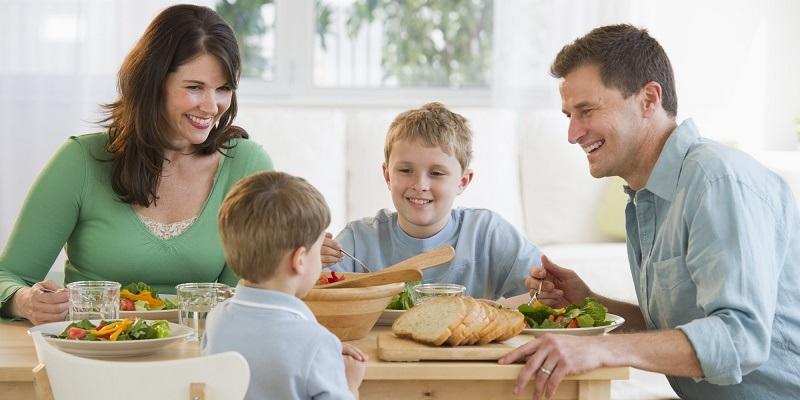 تضمین سلامت خانواده با آموزش تغذیه سالم به زنان شهری و روستایی