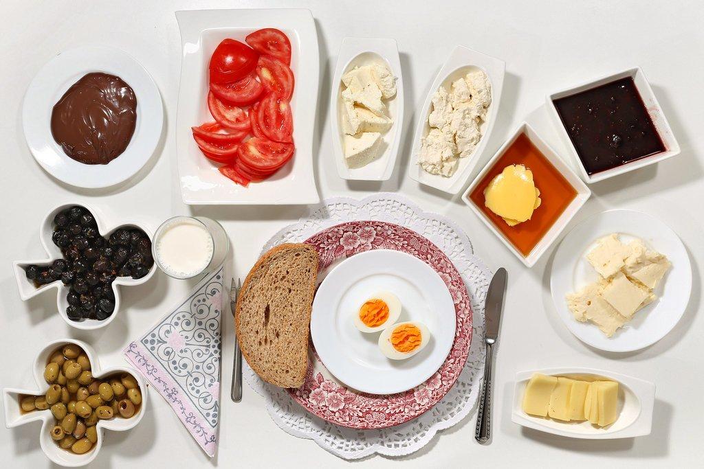 از ۵ اشتباه بزرگ حین وعده صبحانه اجتناب کنید