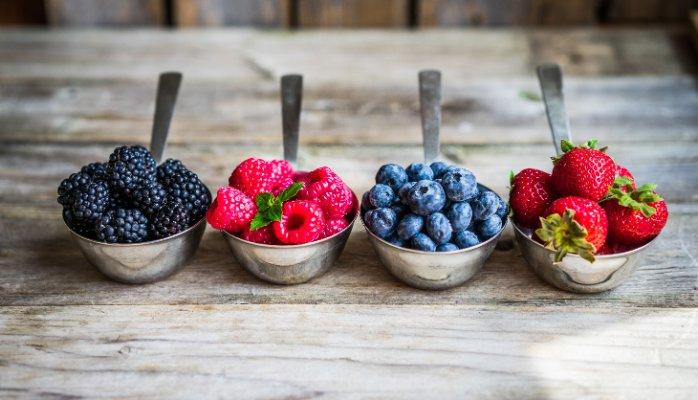 اگر تمام روز می نشینید، ۹ ماده غذایی را حتما بخورید