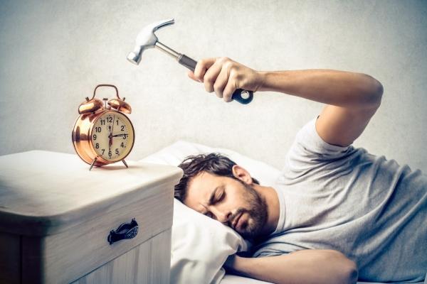 خاموش کردن پیدرپی زنگ ساعت چه بر سر بدنتان میآورد