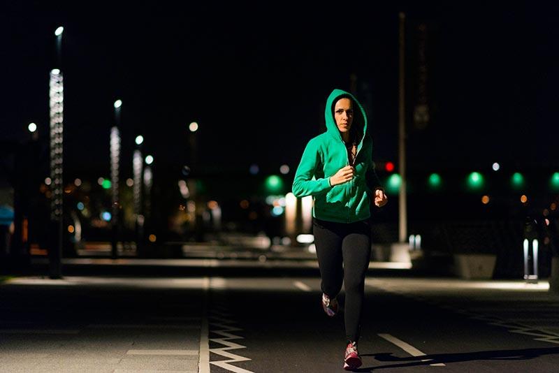 به این دلایل در شب ورزش نکنید