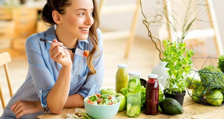 ۵ ترفند برای ترک عادت ریزهخواری و لاغری