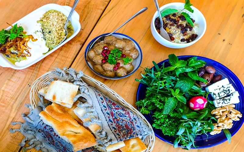 توصیه های قرآنی برای آداب غذا خوردن