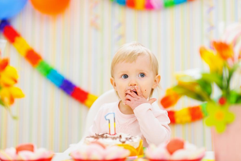 جشن تولد برای کودکان کم سن گیج کننده است
