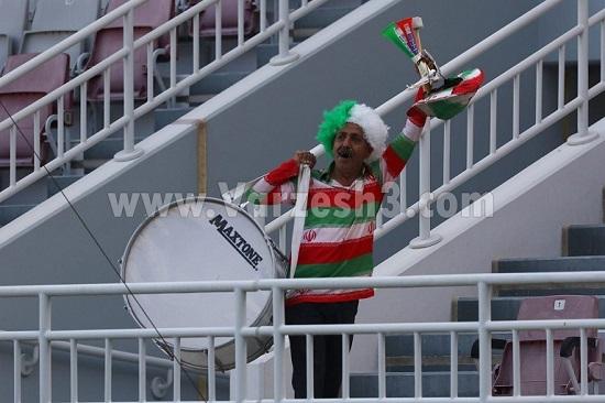 ایرانیِ وفادار در ورزشگاه عبدالله بنخلیفه + عکس