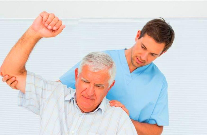 این دستبند به بهبود بیماران  سکته مغزی کمک می کند