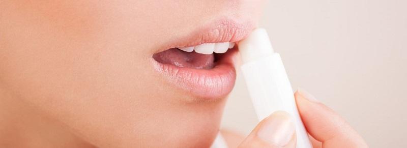 درمان های خانگی برای سلامتی و زیبایی لبها