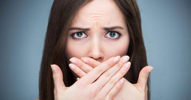 چرا دهانم مزه فلز میدهد+ راه درمان