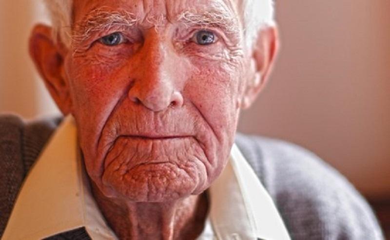 نشـانـه اختـلال فکـری در مردان مسن