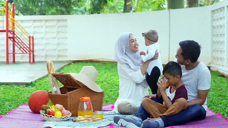 عوامل خوشبختی در خانواده از نظر قرآن و روایات