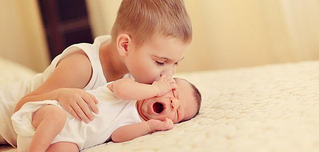 چطور کودک اول را برای آمدن فرزند دوم آماده کنیم؟