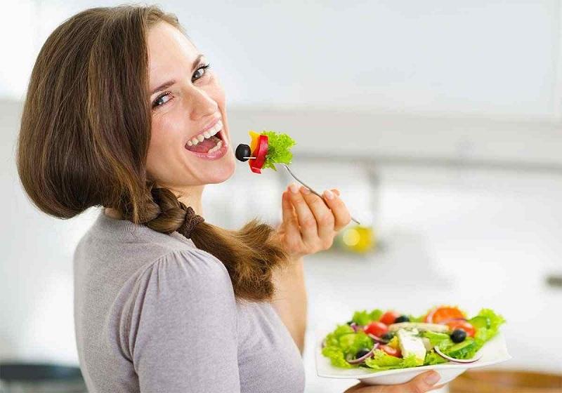 6 توصیه غذایی برای زیباسازی خنده شما