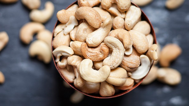 این ماده غذایی خوشمزه یکی از مغزهای سرشار از آهن است