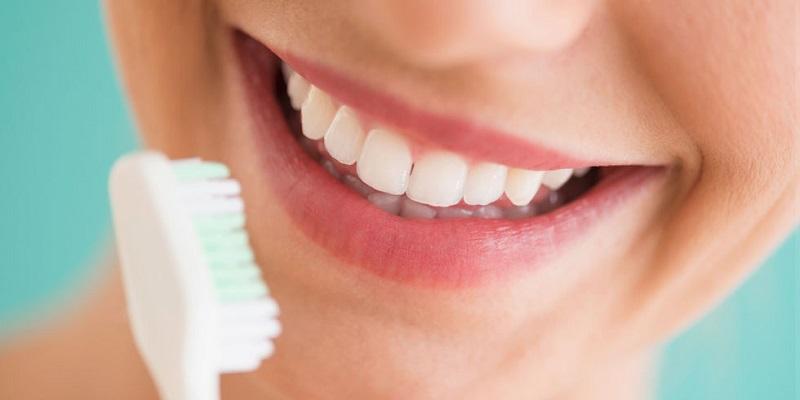 روشهای ساده خانگی برای سفید کردن دندان
