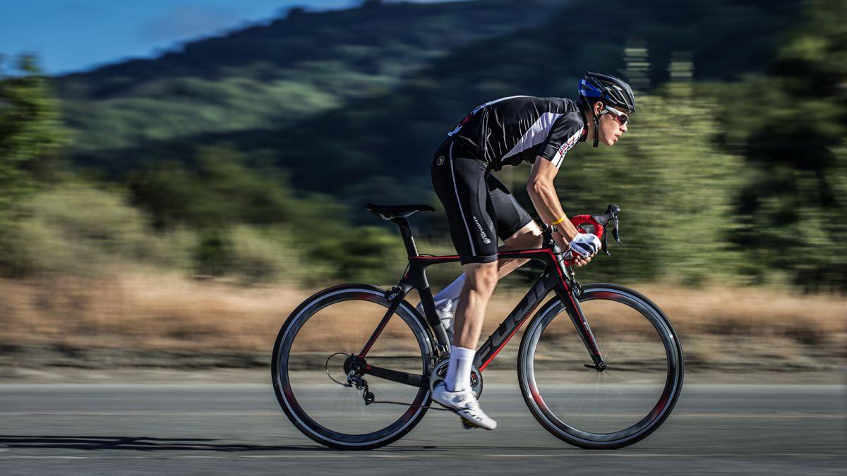 دوچرخه سواری که  تومور مغزی را  شکست داد+تصاویر