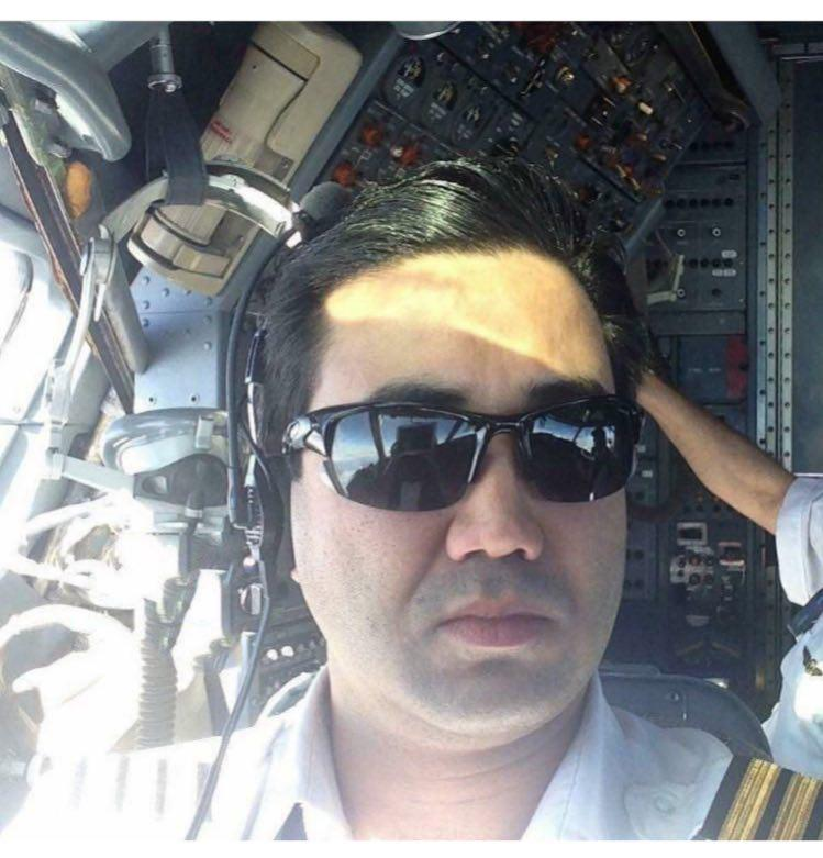 کمک خلبانی که  خادم آشپزخانه بیت رهبری بود + عکس