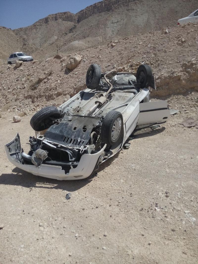 انحراف به چپ خودروی ۲۰۶ حادثه آفرید