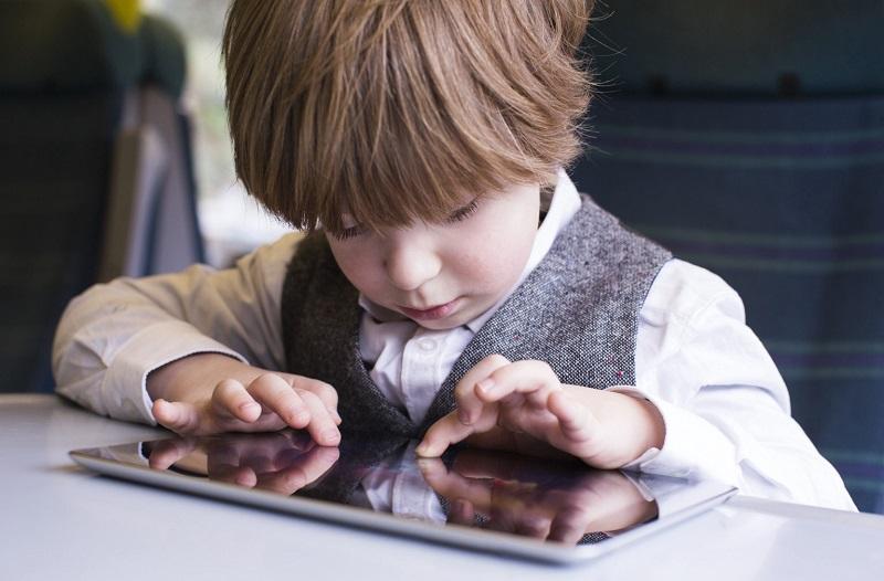 بلایی که موبایل سر بچه های می آورد