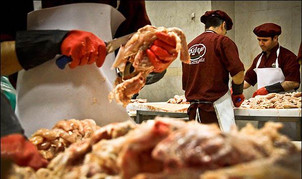 اقدام عجیب فروشنده سوسیس و کالباس! + عکس