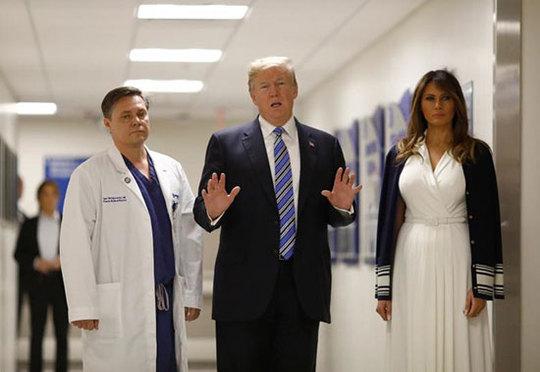 ترامپ و همسرش در بیمارستان + عکس