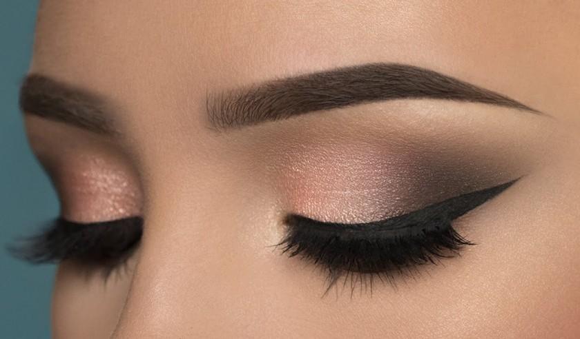 چند ترفند بی نظیر برای آرایش چشم مشکی