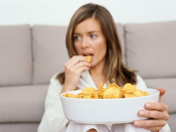 خوراکی هایی که سلامت دندان هایتان را به خطر می اندازند