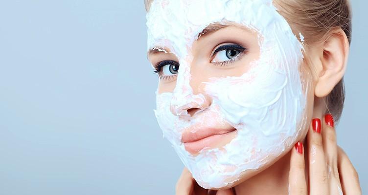 ۶ ماسک خانگی برای پاکسازی پوست صورت تا عید