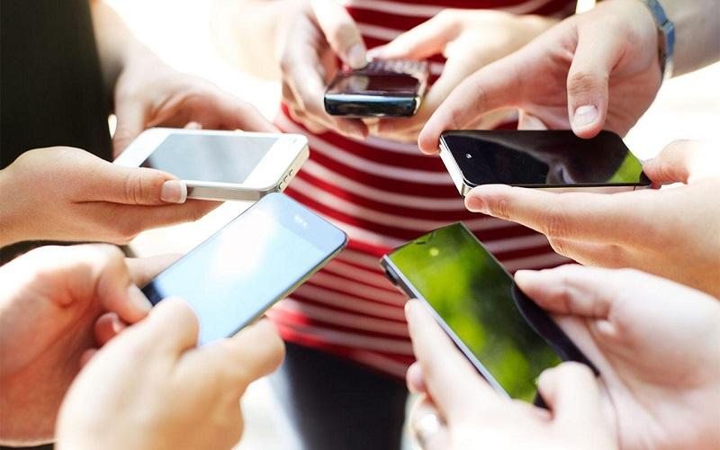 صله رحم اسیر شبکه های اجتماعی