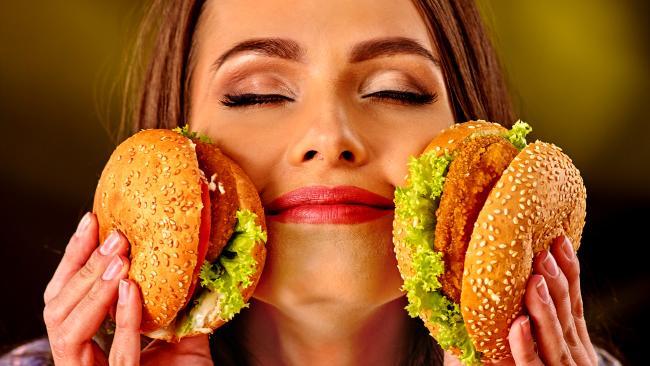 عادت به مصرف ۱۰ گزینه غذایی، زودتر پیرتان می کند