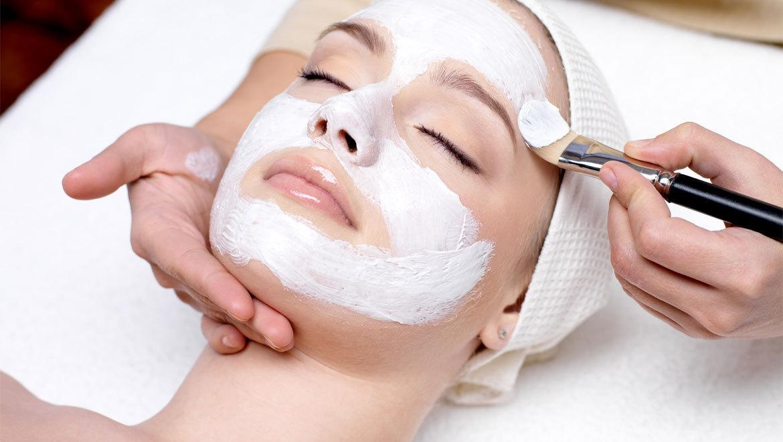 ۴ ترفند خانگی برای لایه برداری پوست تا عید