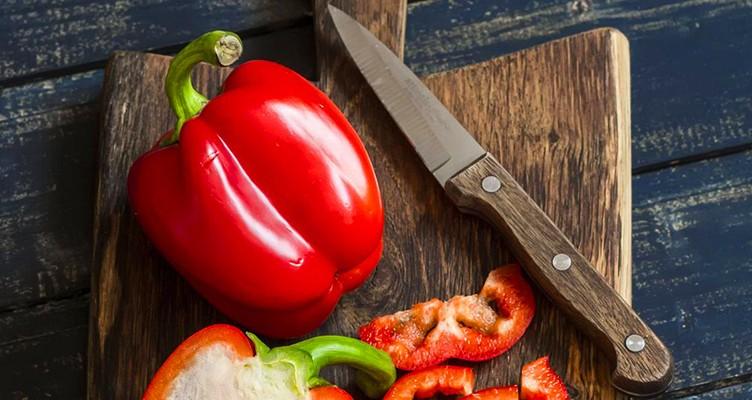۷ خوراکی که پوستتان را جوان میکند
