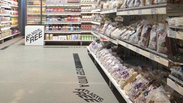 ابتکار سوپرمارکت هلندی برای مقابله با معضل پلاستیک